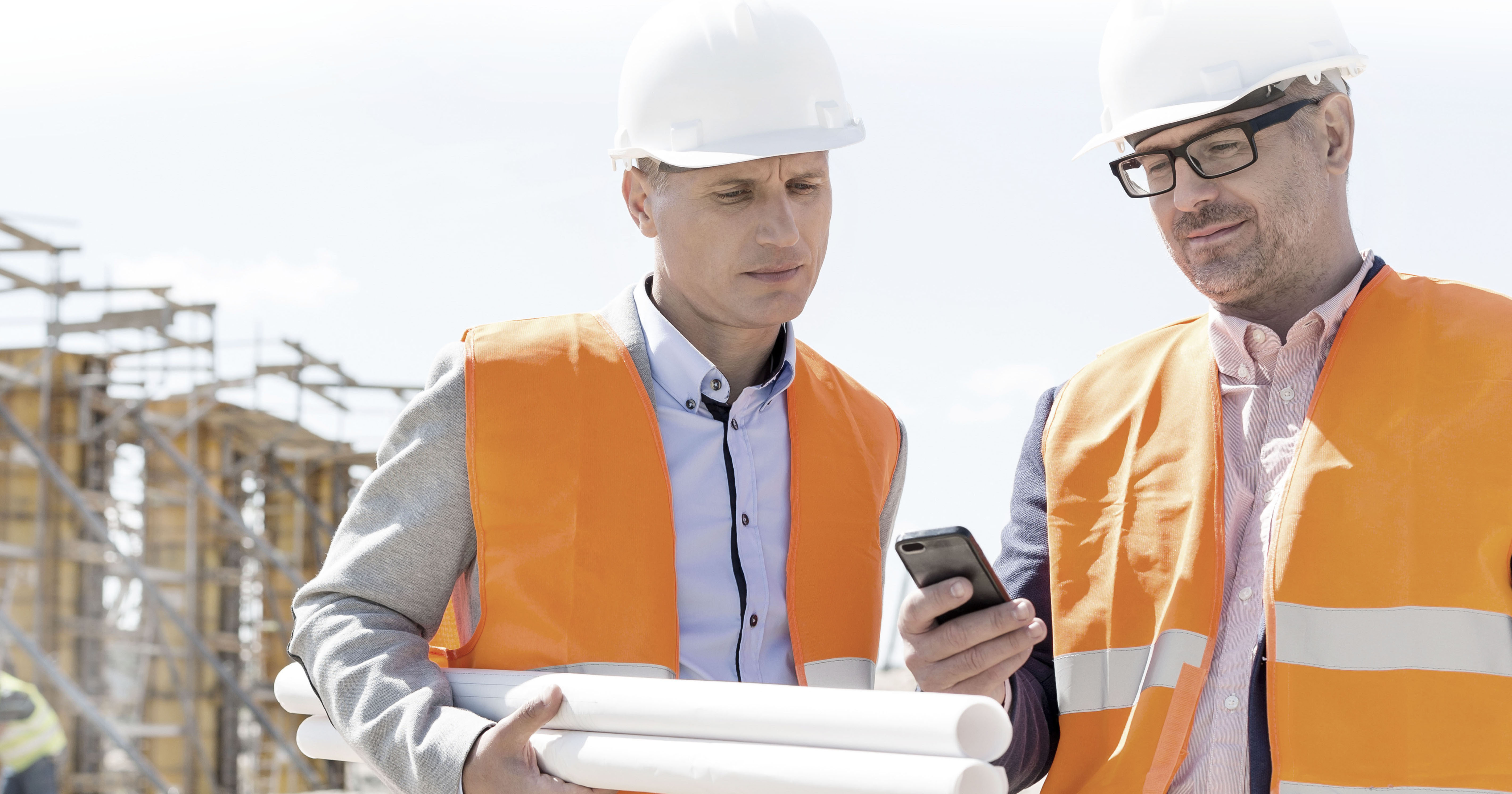 3 Great Phone Cases for the Jobsite